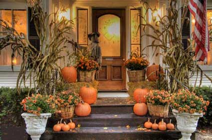 back when i was growing up a common thing we used to decorate the landscaping around the house were corn stalks not the green leafy corn - Fall Halloween Decorations
