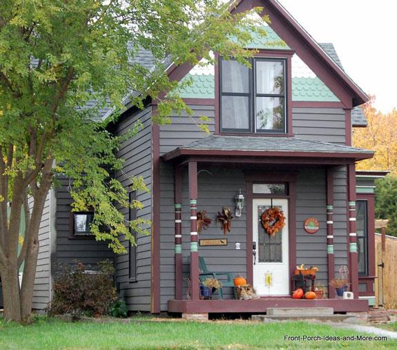 Victorian style front porch columns