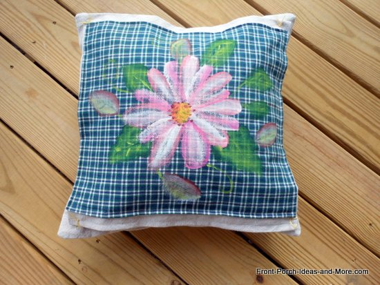 pink daisy pillow topper