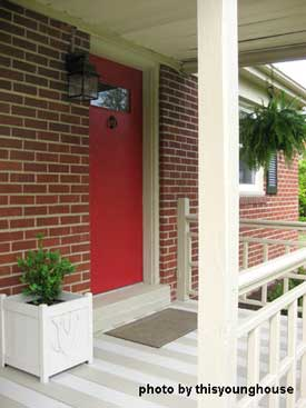 Porch makeover - red door planter detail