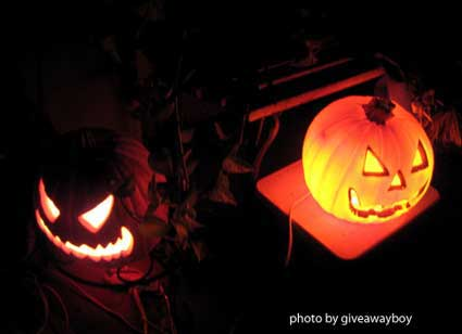 Scary halloween decorations from carved pumpkins