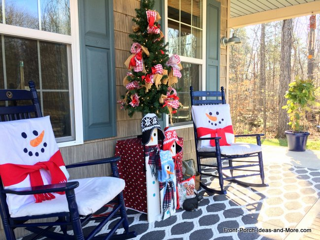 our snowman front porch want a fun christmas decorating tip