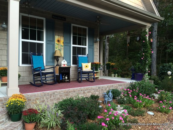 Another look at our autumn porch with sunflower decorations