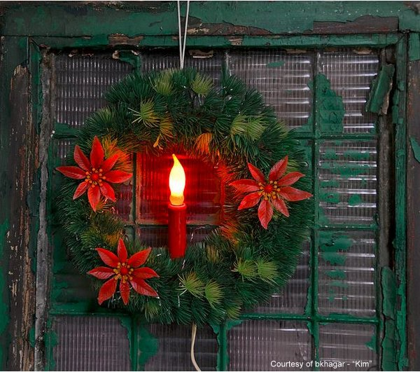 vintage Christmas wreath - photo by bkhagar - aka Kim