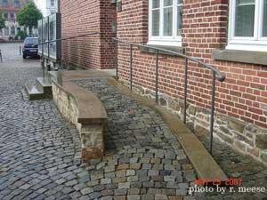 wheelchair ramp cobblestone design