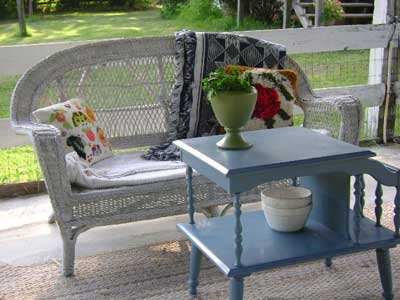 Paint  Wicker Furniture on Kimberly Found This Wonderful Wicker Furniture On Craig S List