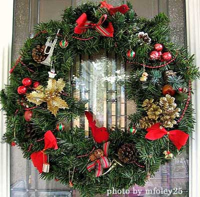Festive wreath ideas for christmas for How to make christmas door wreaths
