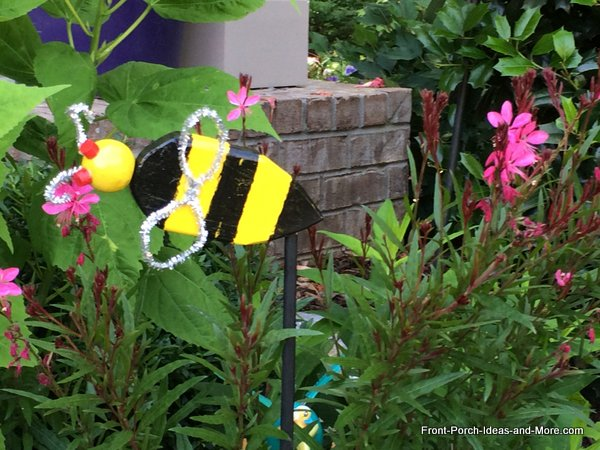 bumble bee yard decoration on dowel