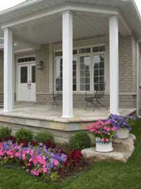 Porch landscaping ideas on a country porch