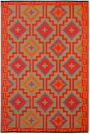 colorful orange and violet outdoor rug on porch