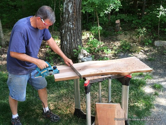 planing the board square with a portable planer