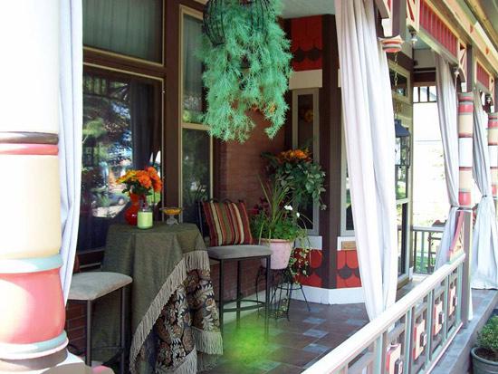 Beautifully restored Queen Anne Porch