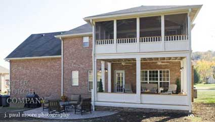 Screen porch design ideas for your porch 39 s exterior for Second floor sunroom