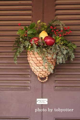 pine cone basket christmas wreath